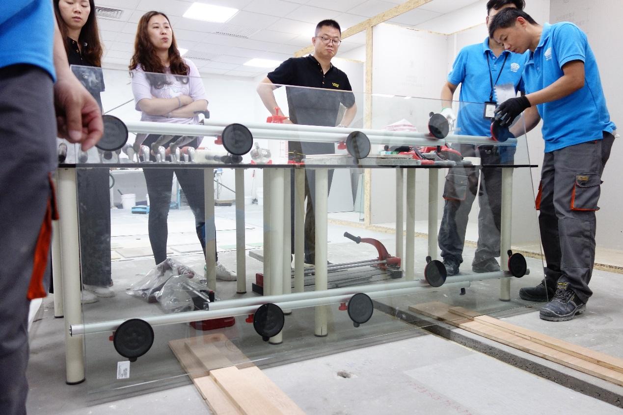 E:\图片\培训2019:DUNLOP全体销售员培训-瓷砖粘结技术培训@07.19\DSC06976.JPG